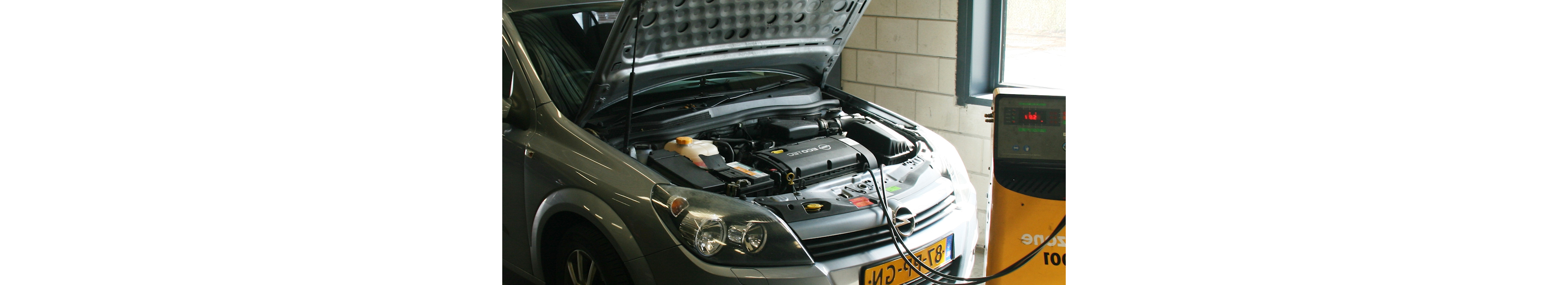 Airco service vullen auto www.carcoolsystems.nl